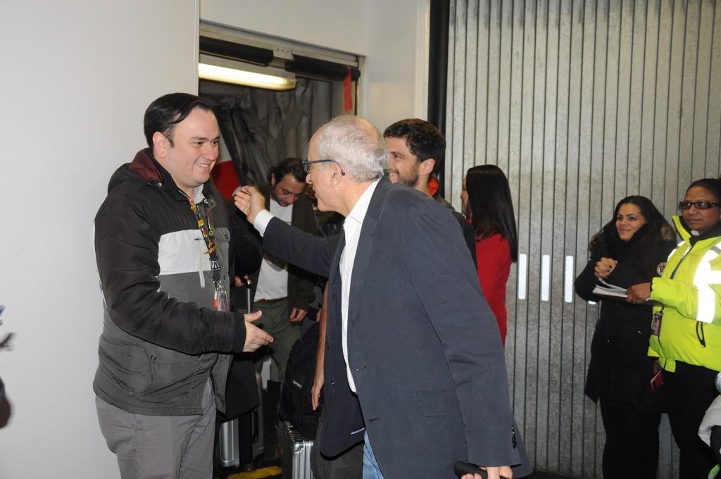 O fundador da Avianca Brasil, José Efromovich, cumprimentou todos os funcionários em solo na chegada a NY