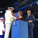 Pier Paolo Scala, capitão do MSC Seaside, Sophia Loren, madrinha da MSC, e Pierfrancesco Vago, presidente-executivo da MSC, no corte da fita