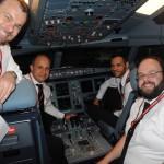 Esta é a equipe que comandou o voo para NY: comandante Muradas, comandante Ozom, copiloto Thiago e copiloto Ziolkowski