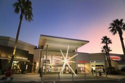 The Florida Mall, nos EUA, introduz novo espaço natalino