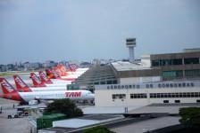 Congonhas e outros quatro aeroportos podem parar por falta de combustível