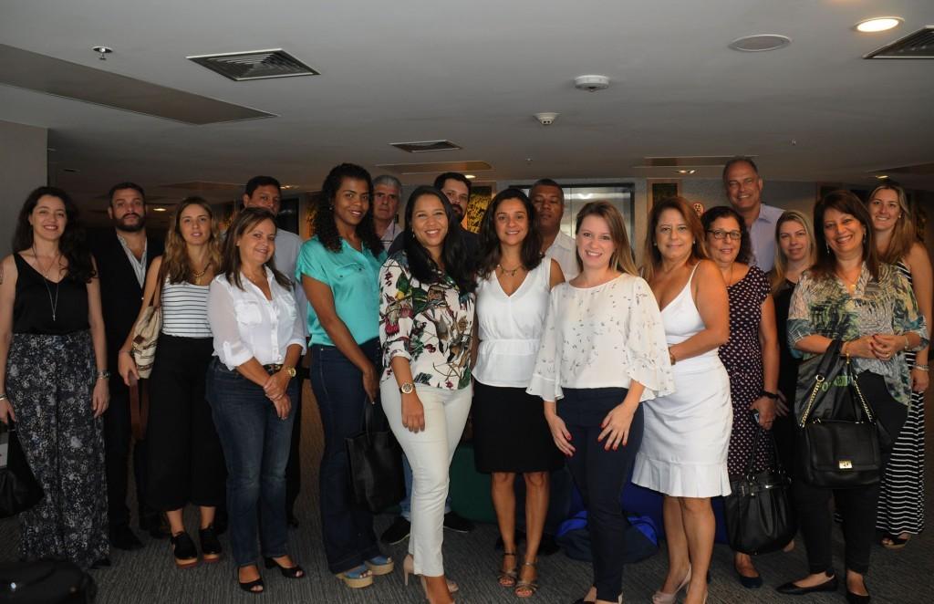 Renata Colpo, da Stella Barros, com agentes convidados