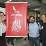 Alenka Kyslik, Andrés Garnham e Jay Lorenzana, da Global Eagle, empresa provedora de internet para o voo da Avianca