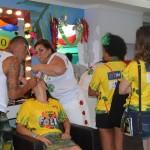 As meninas do camarote podiam escolher a maquiagem do carnaval