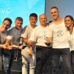 Cristiano Placeres, da CVC, Mário Antonio, da Trend, Renato Kido, da Visual, Fabricio Romero e Marcela Sacramento, da CVC, receberam aos cinco prêmios juntos