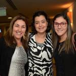 Juliana Bull, da Lumi Viagens, entre Lucimar Rezende e Lívia Cardoso, da Liv Travel