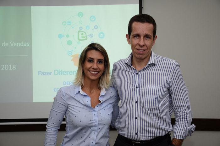 Juliana Tamae e Flavio Louro, gerente de Vendas e diretor da E-HTL