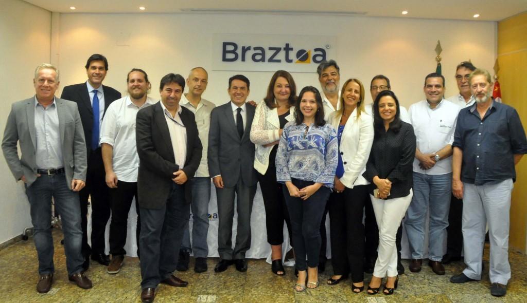 Magda Nassar e associados da Braztoa durante o anúncio do 49º Encontro Comercial Braztoa