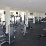 Musculação conta com diversas opções de equipamentos