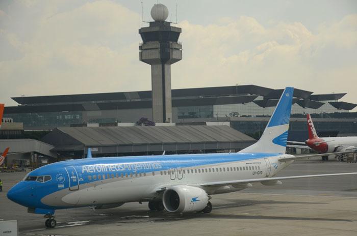 Boeing 737 da Aerolíneas Argentinas, que opera algumas das rotas para o Brasil