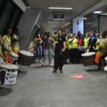 Passageiros foram recepcionados com muita música no Aeroporto Internacional de Salvador