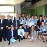 Presidente e diretores da Aerolíneas Argentinas com os funcionários da companhia