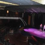 Teatro tem apresentações diárias de shows estilo Broadway