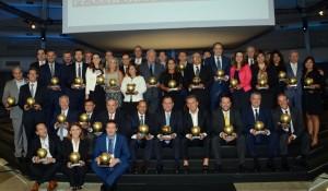 Esfe homenageia 54 personalidades do setor