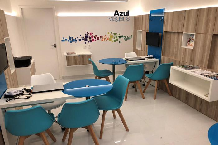 e22f7dd96 Azul Viagens inaugura loja com novo conceito visual em São Paulo
