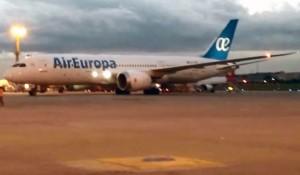 Boeing 787 Dreamliner da Air Europa já está em São Paulo; vídeo
