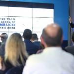 """Felipe Carreras, secretário de Turismo, Esportes e Lazer de Pernambuco, apresentando seu painel """"Estratégia de Conectividade de Pernambuco"""" / Foto: Hesíodo Góes/Seturel-PE"""