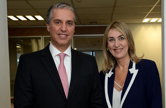 Fernando Fischer e Luciane Leite, presidente da Reed no Brasil, e diretora da WTM-LA