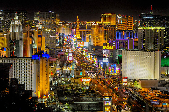 Las Vegas terá shows de renomados artistas durante verão norte-americano. Nomes como Cher, Christina Aguilera, Aerosmith, Janet Jackson e Elton John já estão confirmados