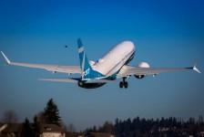 Boeing realiza primeiro voo oficial de testes do B737 MAX 7