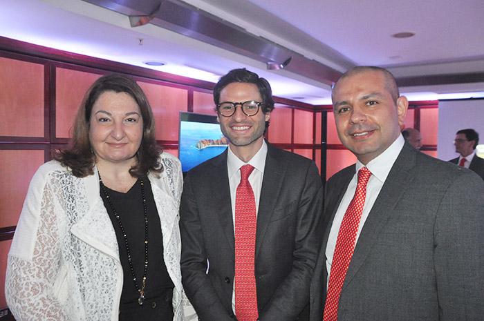 Magda Nassar, presidente da Braztoa, com Felipe Jaramillo e Alejandro Paláez, presidente e diretor Brasil da Procolombia