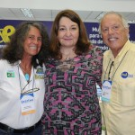 Magda Nassar, presidente da Braztoa, com Mari Masgrau, do M&E, e Roberto Campeas, da Magic Stars