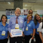 Miguel Andrade, diretor da Transmundi, com sua equipe