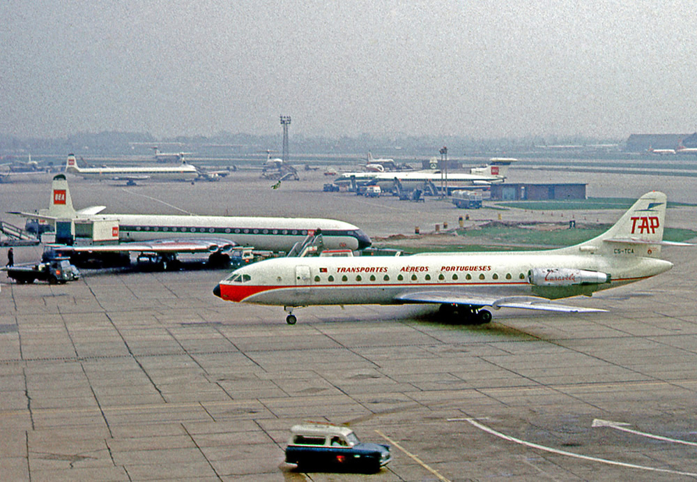 Sud-Aviation-Caravelle-da-TAP-no-Aeroporto-de-Heathrow-Londres-em-1966