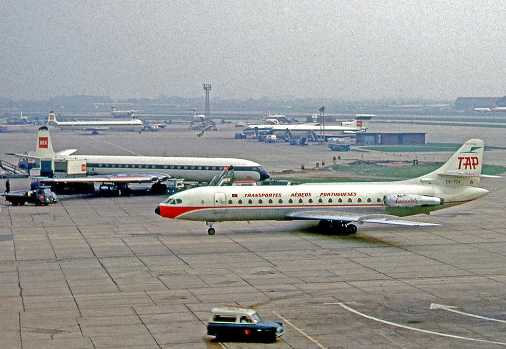 Sud-Aviation-Caravelle-da-TAP-no-Aeroporto-de-Heathrow-Londres-em-1966