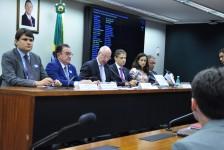 Câmara discute regulamentação de aplicativos de hospedagem