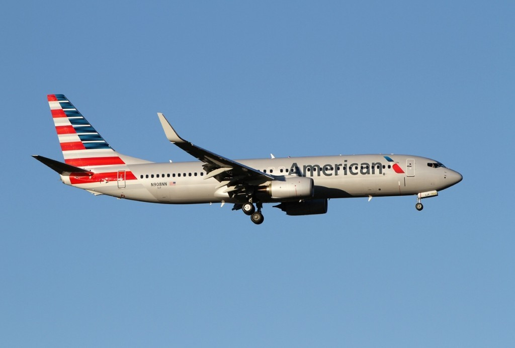 american_airlines_boeing_737-800