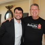 Bernardo Rossi, prefeito de Petrópolis, e Aroldo Schultz, presidente da Schultz