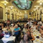 Cerca de 300 agentes lotaram a Confeitaria Colombo
