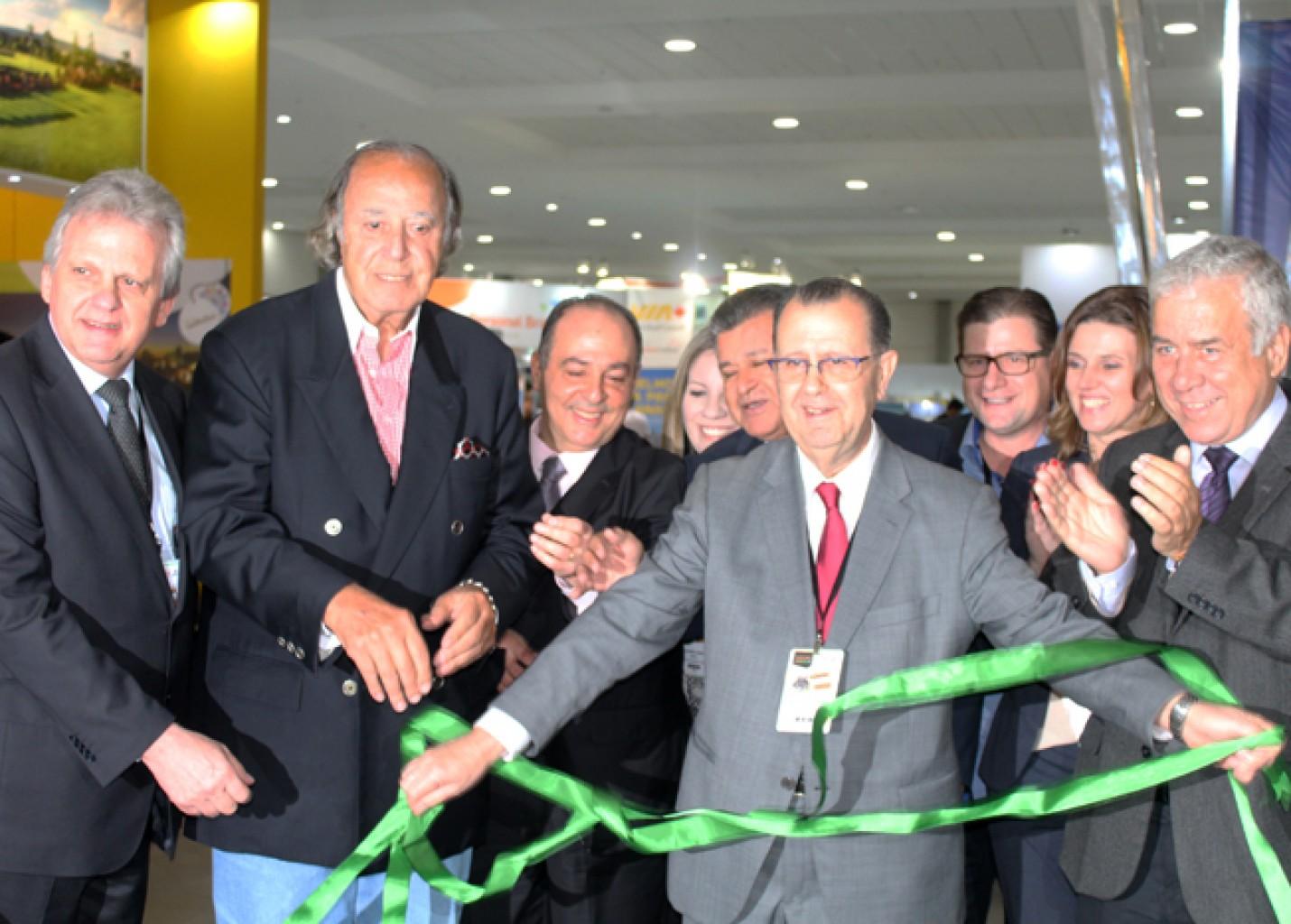 Salão Paranaense Abav-PR abre com expectativa de receber mais de 2.000 agentes; fotos