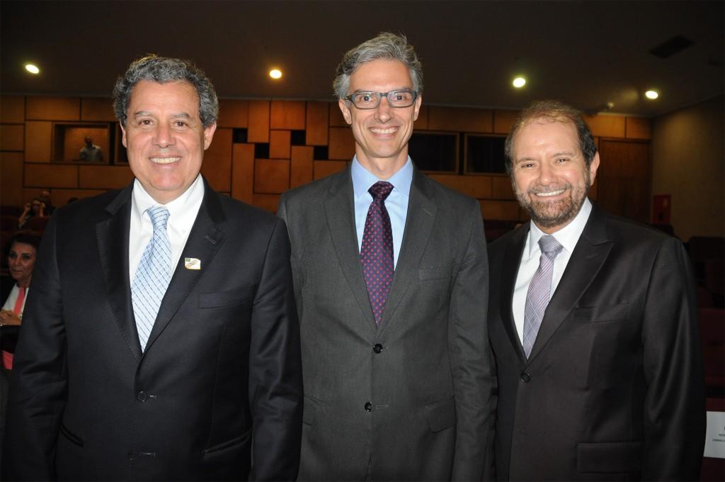Luiz Eduardo Falco, da CVC, Marco Ferraz, da Clia Abremar, e Guilherme Paulus, da GJP