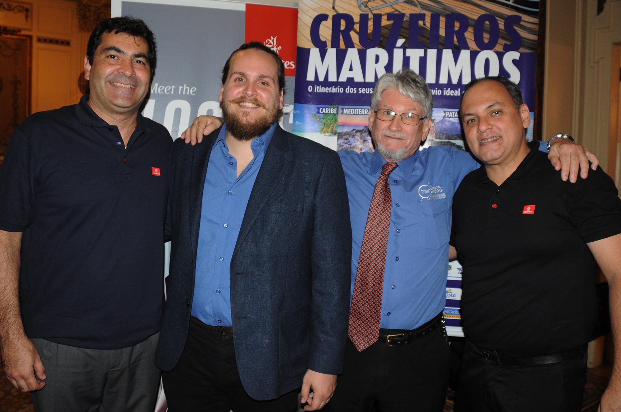 Rodrigo Galvão e Marcelo Abreu, da Emirates, com Marcelo e Miguel Andrade, da Transmundi