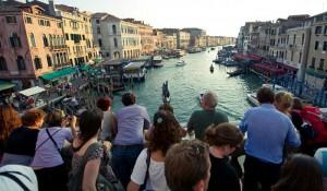 Veneza inicia cobrança de taxa de visitação a partir de 1º de maio