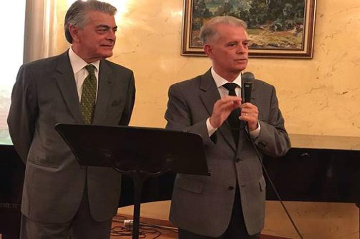 Alberto Alves, no MTur, e Marcelo Lima Costa, presidente da Embratur
