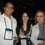 Edwards Pereira, da DT Viagens, com Fabiola Lima e Ione Santos, da Fabiola Kipgen Turismo