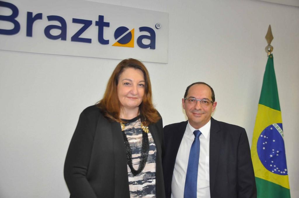 Magda Nasser, presidente da Braztoa, e Márcio Nascimento, diretor de Marketing do MTur