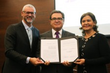 MTur, Embratur e Câmara de Comércio LGBT assinam acordo que promove o Brasil como destino gay-friendly