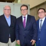 Roy Taylor, do M&E, Vinicius Lummertz, ministro do Turismo, e Manoel Linhares, presidente da ABIH Nacional
