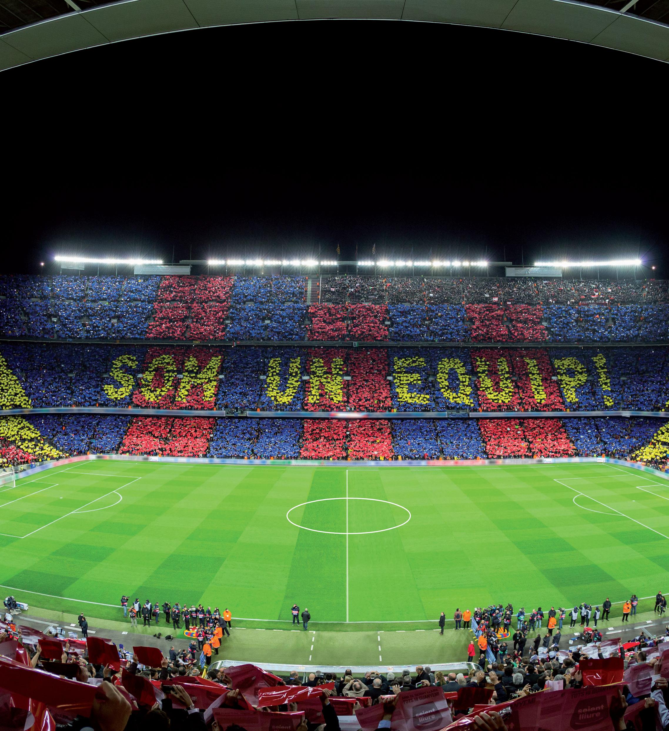 Mosaico da torcida do FC Barcelona no Camp Nou