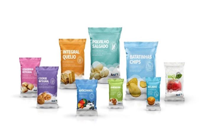 Em comemoração aos 10 anos da companhia, snacks servidos em voo ganham embalagens com layout mais clean e moderno