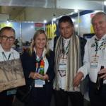 Alfredo Nicolas e Carlos Navas, da Peru Total, e Rosa Masgral e Roy Taylor, do M&E