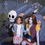 Cante com Jack Skellington e a Sally personagens de O estranho mundo de Jack