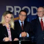 Cida Borghetti, governadora do Paraná, Vinicius Lummertz, ministro do Turismo, e Orlando Pessutti, diretor do Banco Regional Desenvolvimento do Extremo Sul