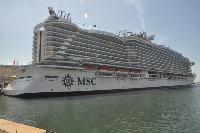 MSC Seaview no Porto de Gênova, onde será inaugurado