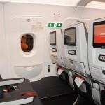 Olha só a qualidade da tela, do assento e do controle de entretenimento no A320neo