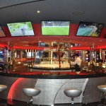 Platinum Casino, no deck 7, conta com bar 360º
